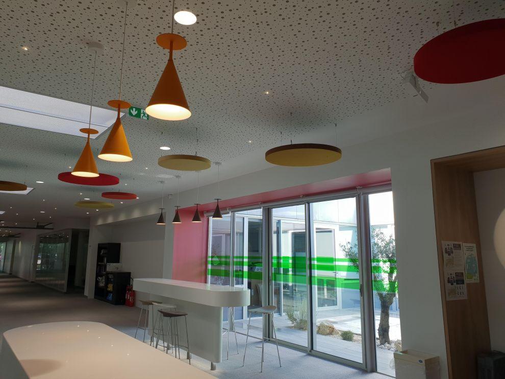 Réalisation de plafonds suspendus